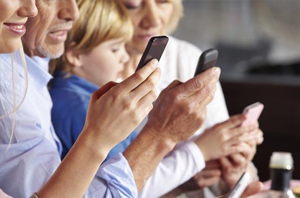 family on internet